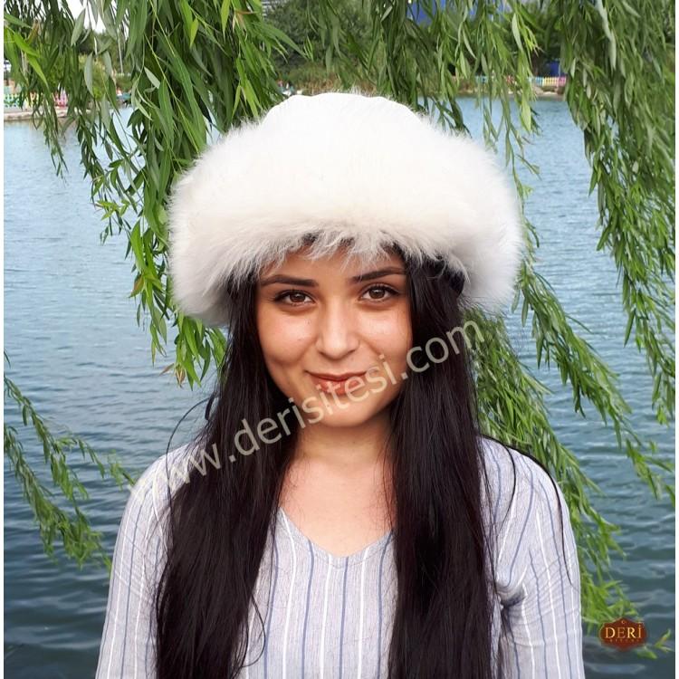 Akça Beyaz Renk Kuzu Kürklü Kadın Deri Börk, Şapka Modelimiz - BŞ154